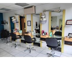 A vendre Salon de Coiffure Femme Homme Junior
